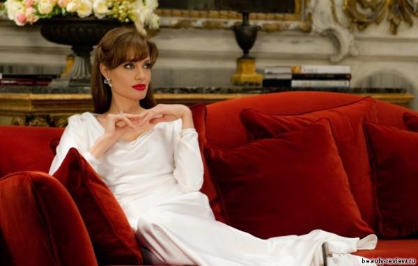 Красивая Джоли