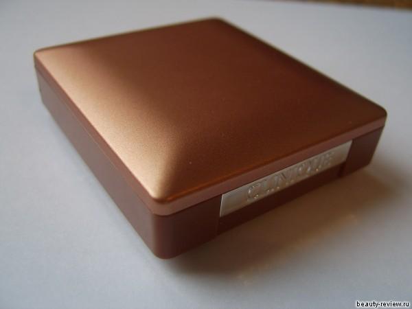 Пудра-бронзер Almost Bronzer SPF15 от Clinique