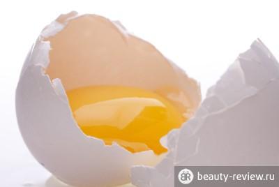 Народные рецепты красоты — маска из желтка