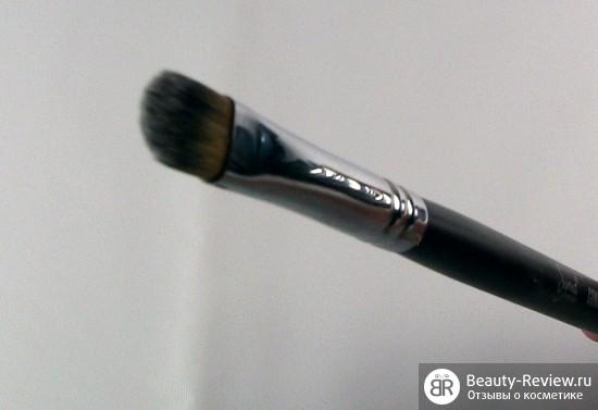 Кисть Сигма F70 Concealer brush