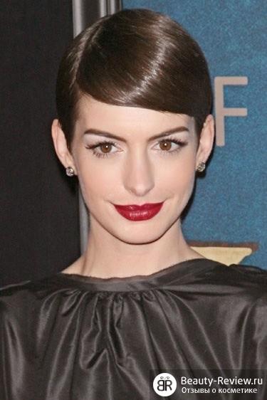 Лучший макияж с красной помадой 2012 по версии Harper's Bazaar