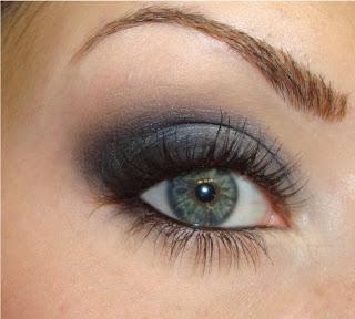 Smokey eyes в сине-серых тонах
