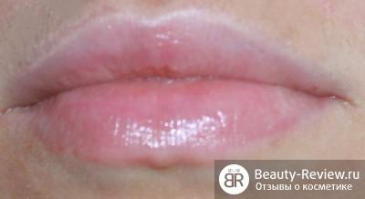 Бальзам для губ Madre Labs, помада MAC Jubilee и Essence Lipgloss — последние покупки